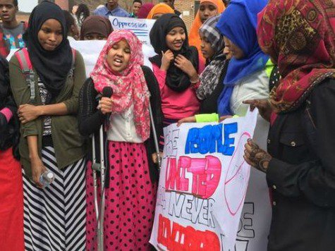 Somali-students-St.-Cloud-protest-Twitter[1]