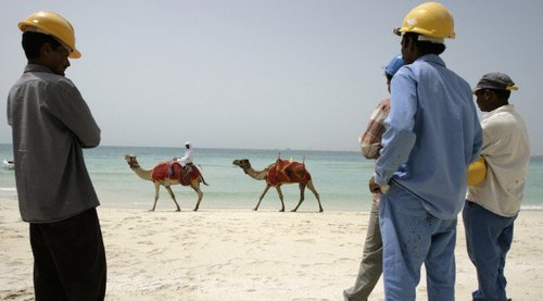 uae-dubai-migrant-labor[1]
