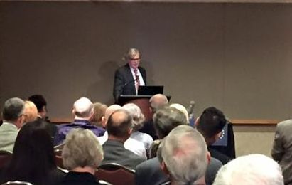 Peter Brimelow addressing the John Randolph Club in Cleveland.