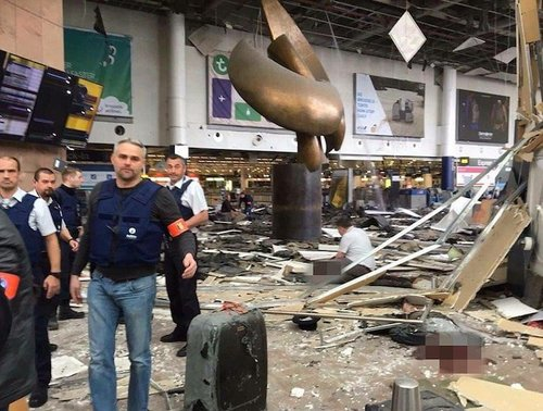Brusselsairportbombed