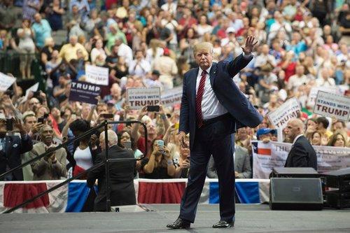 Trumpgoesafterhedgefundguys