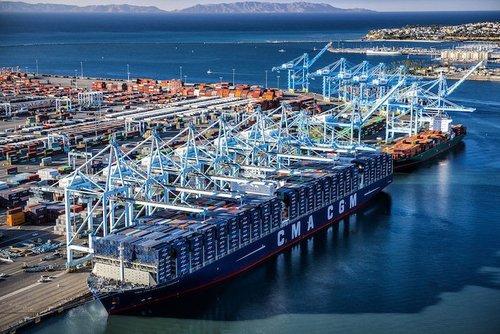 Containershipbenjaminfranklinaerial
