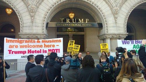 Trump hotel protest better 1