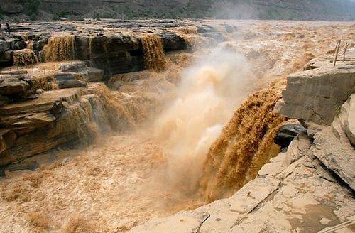 512px hukou waterfall