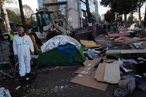 Parismigrantcampbulldozed