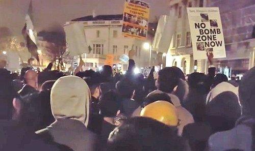 Muslim protest 743825