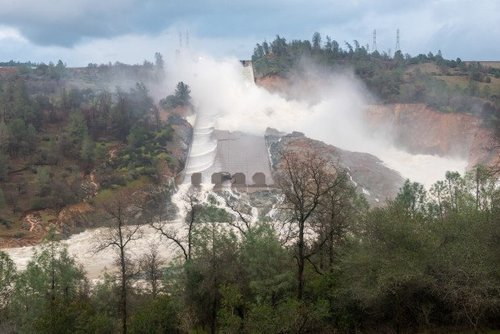 Dwr oroville 0219 12